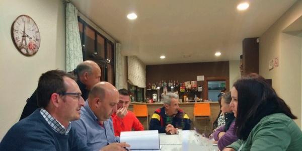 Reunión con AA.VV. Torrenueva - AVE